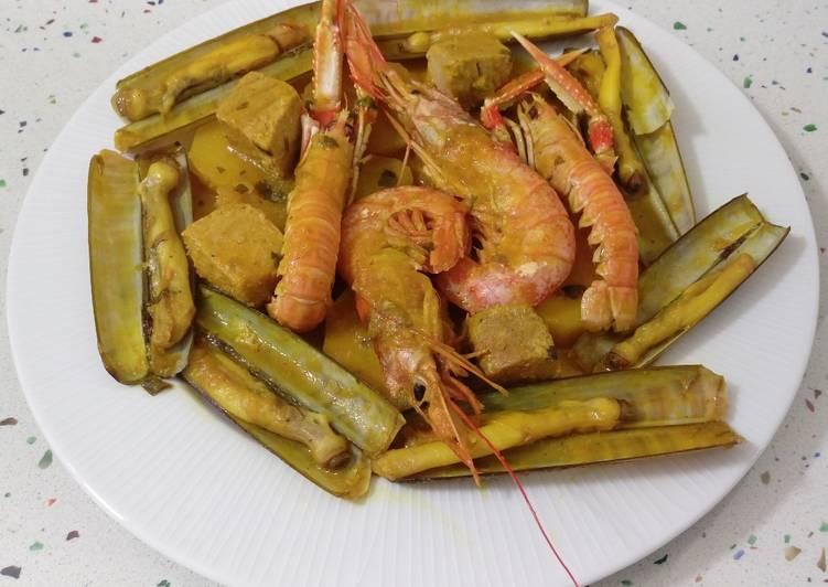 Guiso De Navajas Con Atún Y Marisco Receta De Mari J Cookpad