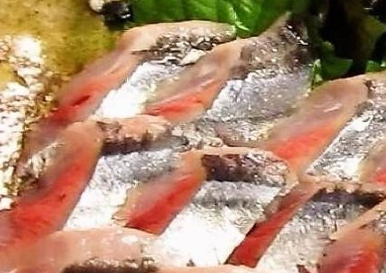 Living Greener for Better Health By Eating Superfoods, How to Break Down Pacific Saury for Fresh Sashimi at Home