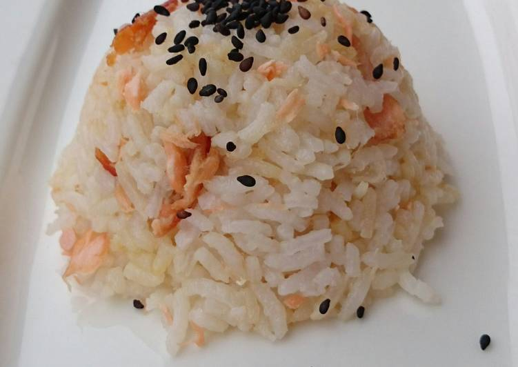 Salmon Rice Top Sesame Seeds