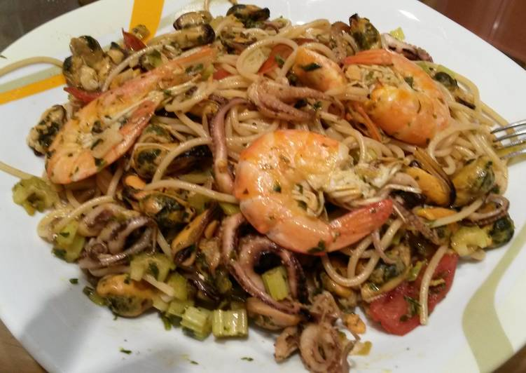 Recipe: Tasty Seafood pasta