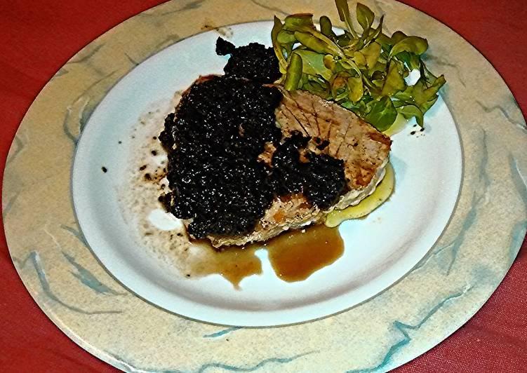 Quick tuna with olive sauce