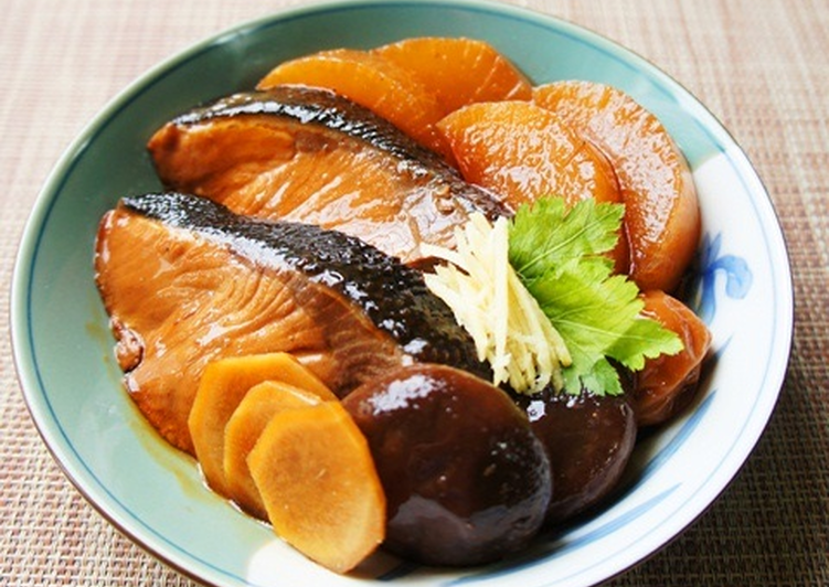 Easy, Rich, Simmer Buri Yellowtail and Daikon Radish