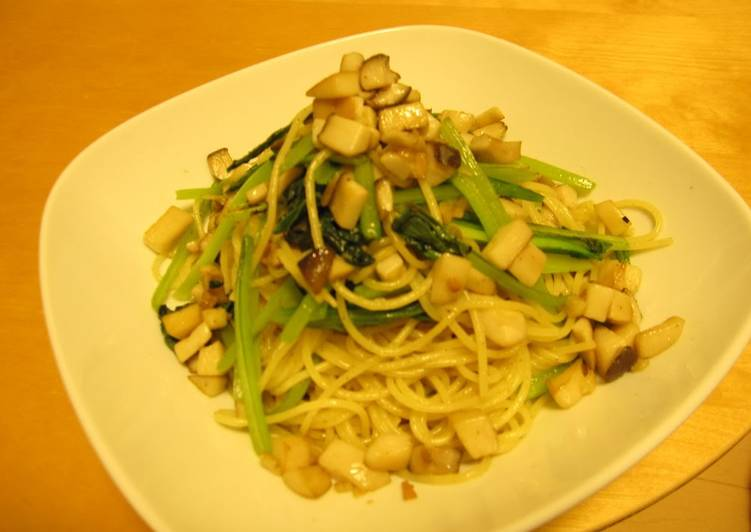 Easiest Way to Prepare Appetizing Komatsuna and King Oyster Mushroom Aglio, Olio e Peperoncino