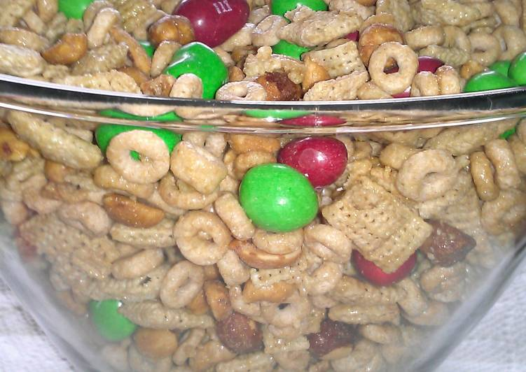 "Easiest Way to Prepare Favorite "" Chex Honey - Peanut Party Mix """