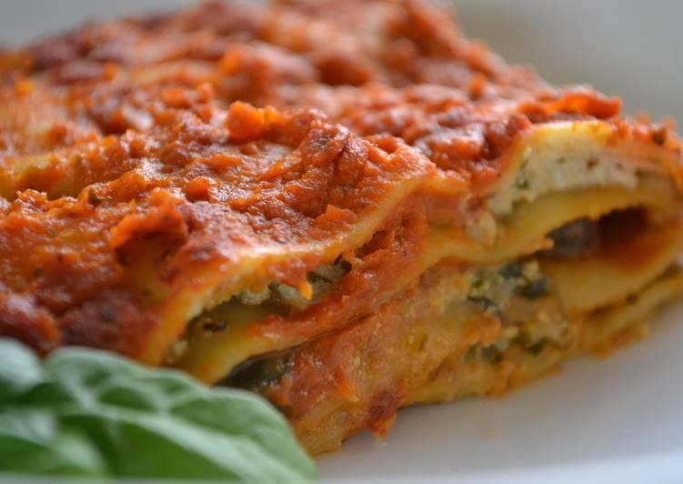 """Spinach, Mushroom & """"Ricotta"""" Lasagna"""