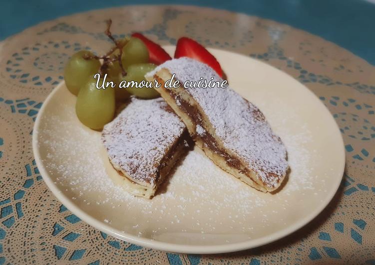 Le moyen le plus simple de Préparer Délicieuse Pancakes fourrés de pâte a tartiner