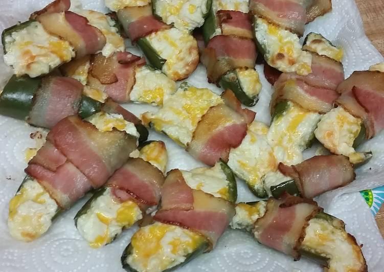 Cheesy Bacon Jalapeño Poppers