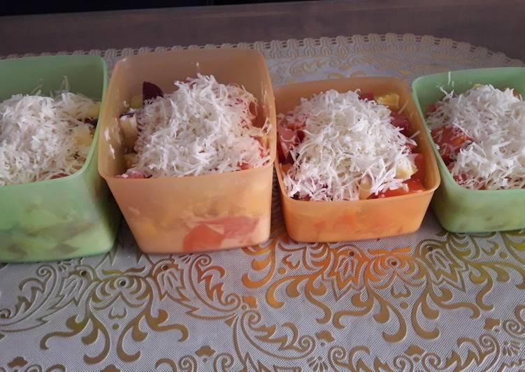 47. Salad buah
