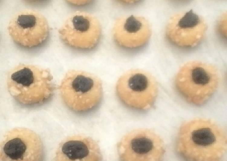 43.19 Tumbrint cokelat kacang mete