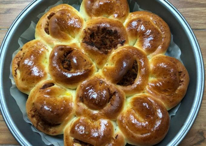 Roti Bunga Abon Ayam 🌸 - ROTI EMPUK LEMBUT (1)