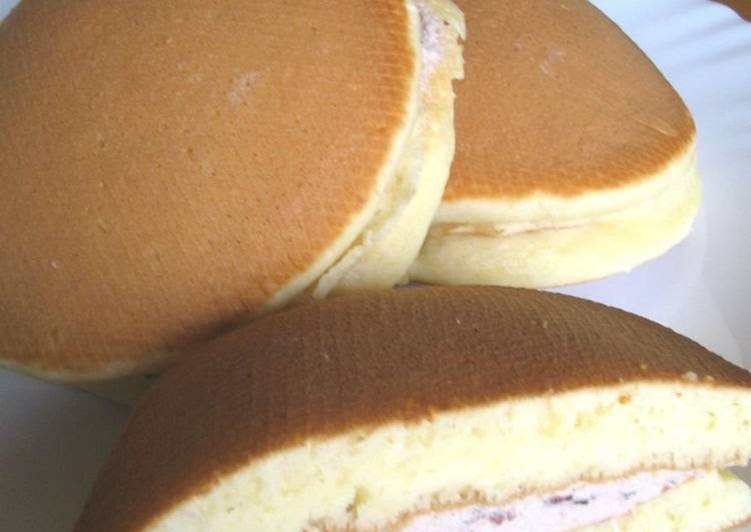 Dorayaki Cream-Filled