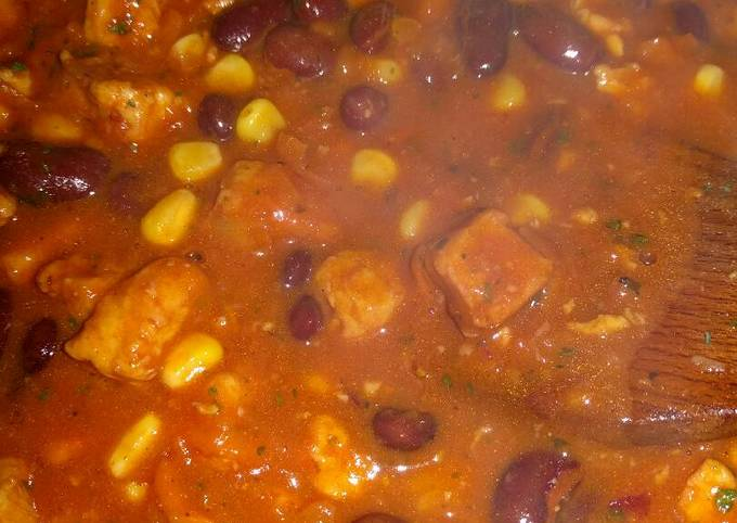 Vegetarian Dinner with Quorn and Kidney Beans