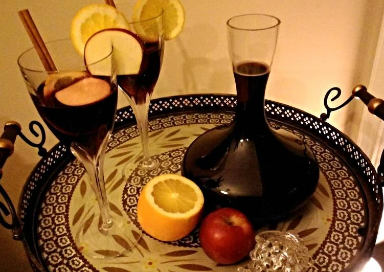 Warm Spiced Mulled Wine