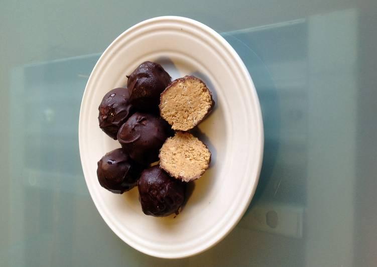 How to Make Super Quick Homemade Chocolate PB Balls