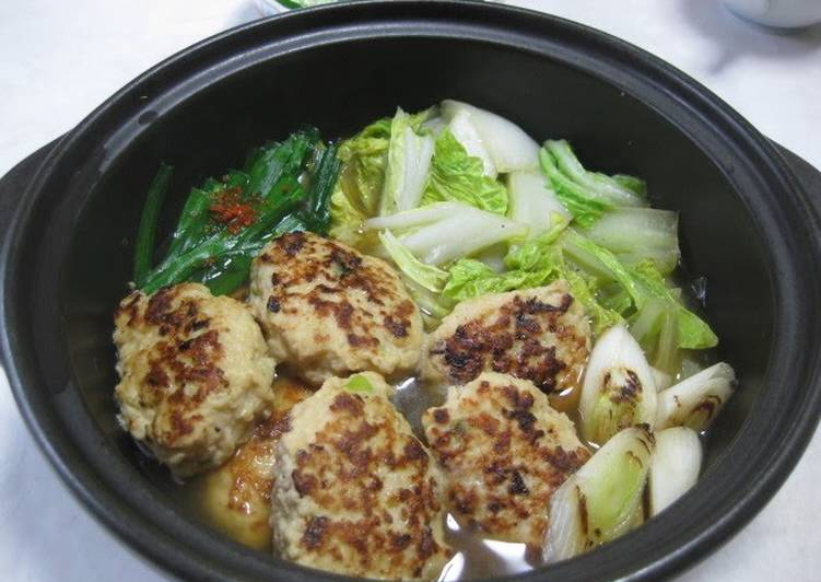 Recipe: Perfect Chicken Meatball and Chinese Cabbage Hot Pot