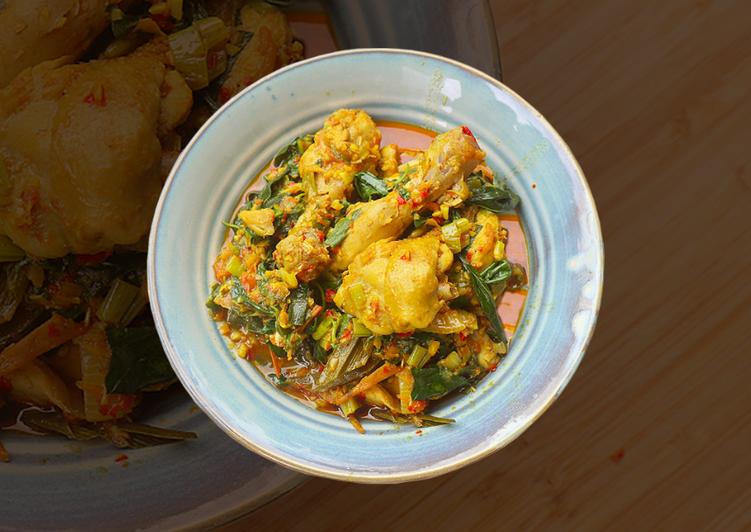 Ayam Woku Khas Manado: PEDAS MAKNYUS