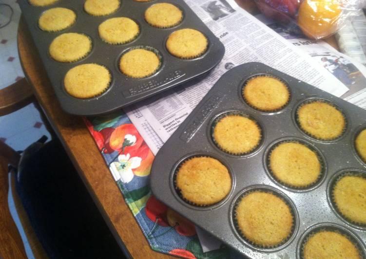 Simple Way to Prepare Speedy Peach Cupcakes