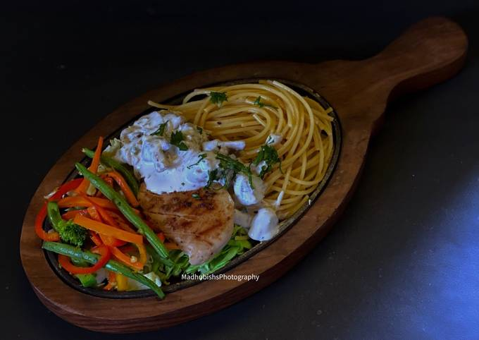 Grilled Chicken Sizzler With Mushroom Sauce