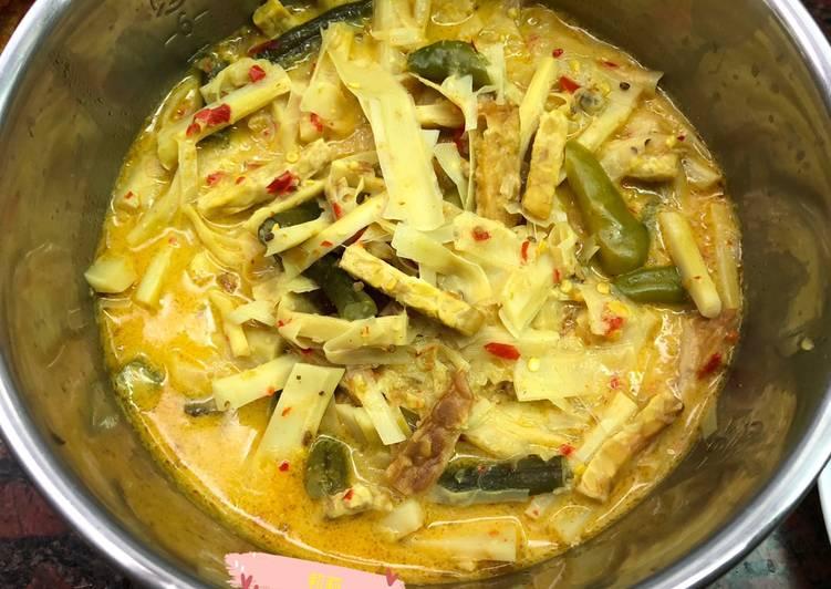 Rebung masak kuning 筍子煮咖哩