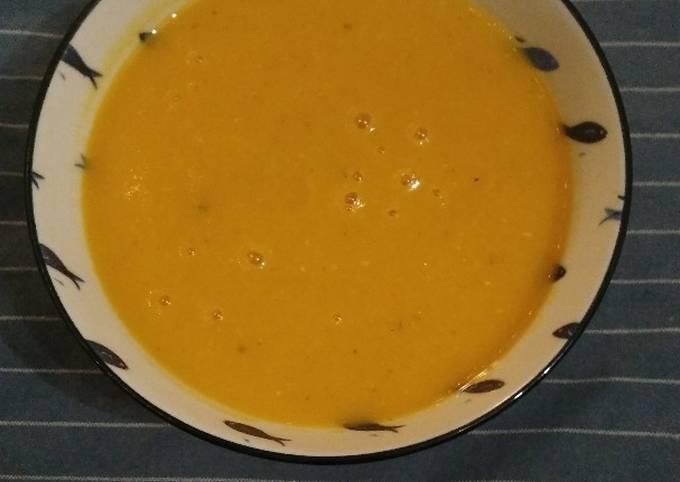 Velouté de butternut et lentilles corail