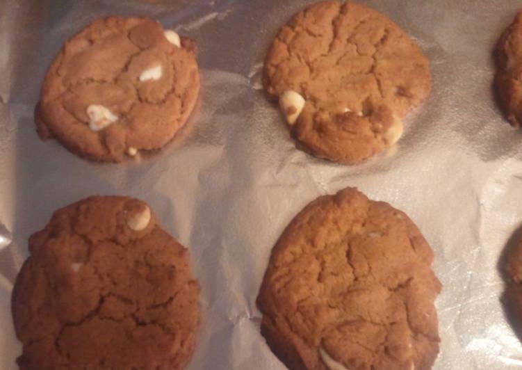 Classic Peanut Butter Cookie