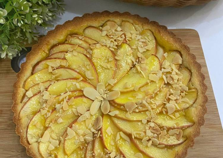 Pie Apple with Almond