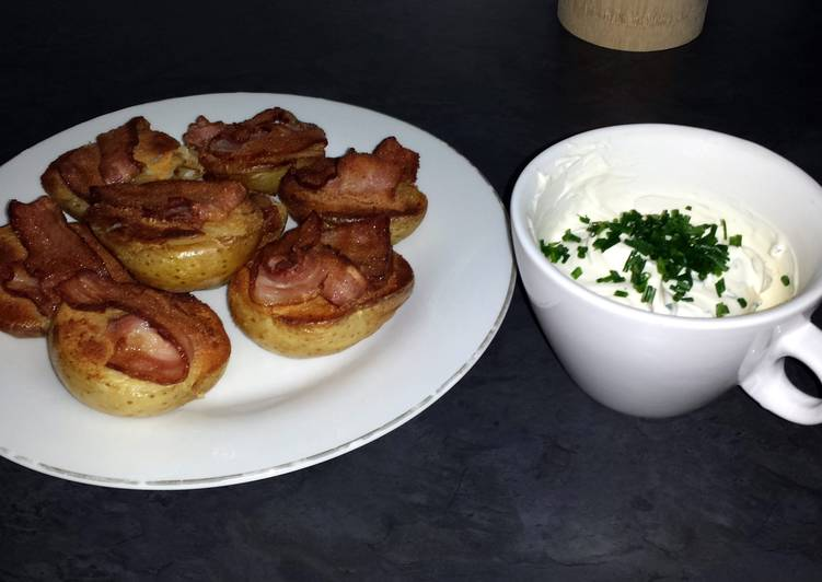 Simple Way to Make Ultimate Baked Potatoes with Bacon and Cheese Toping