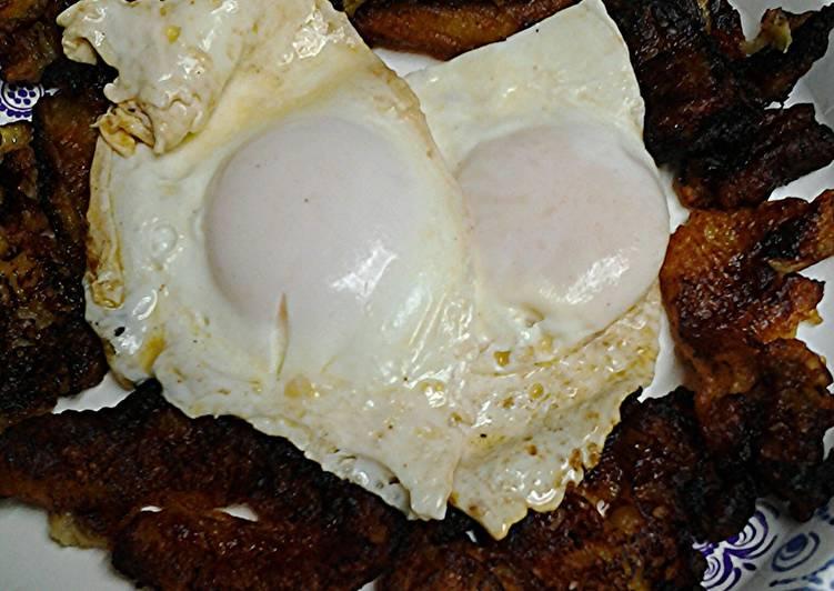 Recipe of Super Quick Homemade Banana and eggs breakfast