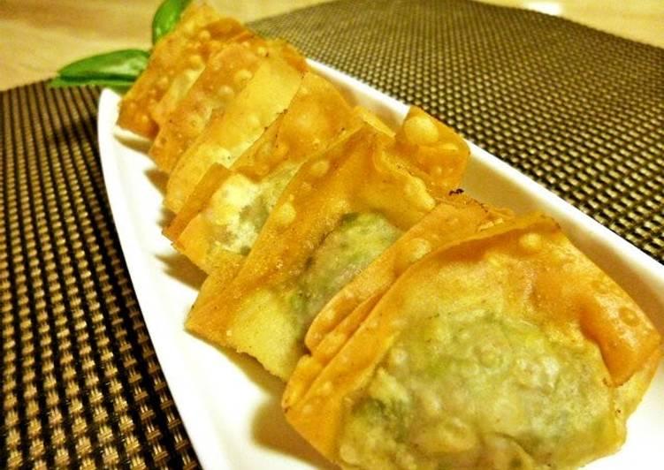 Recipe of Any-night-of-the-week Fried Wonton Dumplings with Chrysanthemum Leaves Seasoned with Yuzu Pepper Paste