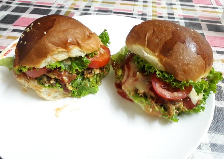 Leftover shredded meat burger…😋😋, Helping Your Heart with Food