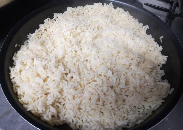 Riz créole cuit à la poêle