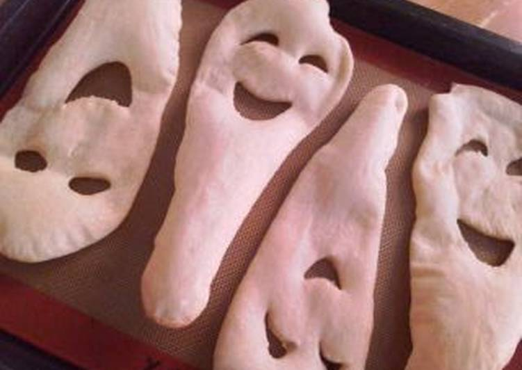 Ghost-Shaped Naan for Halloween Curry