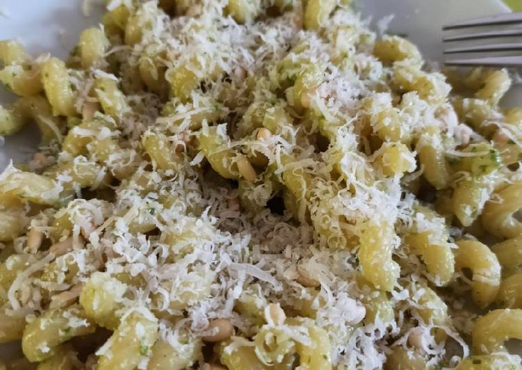 Pesto rapide basilic parmesan
