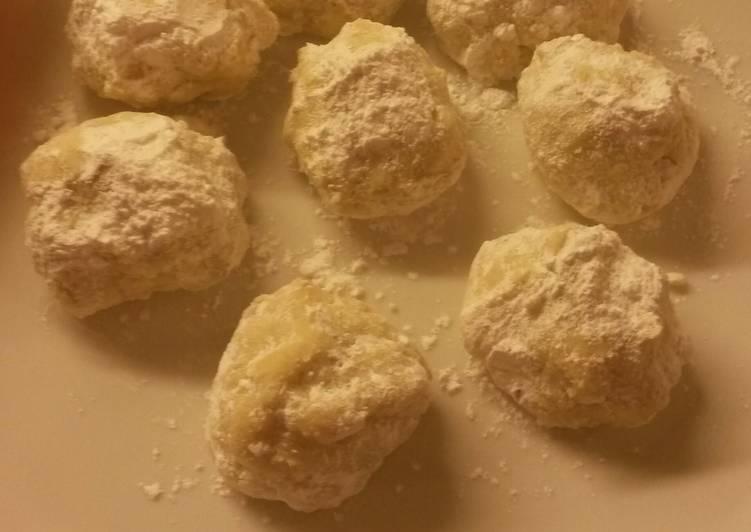 Mum's Mexican Wedding Cookies aka Russian Teacakes