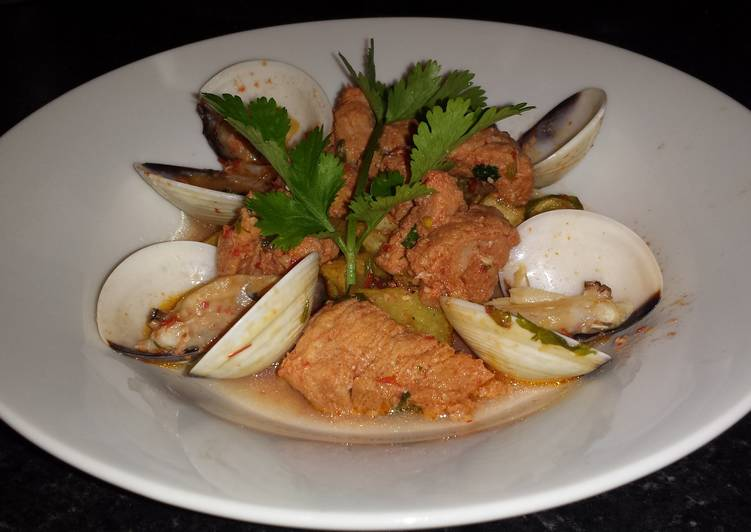 Learn How to Boost Your Mood with Food Pork and Clams (Carne De Porco Alentejana)