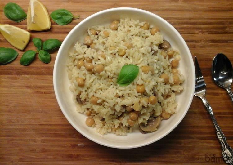 Recipe: Yummy Mushroom and Chickpea Pilaf (Pilafi me Manitaria kai Revithia)
