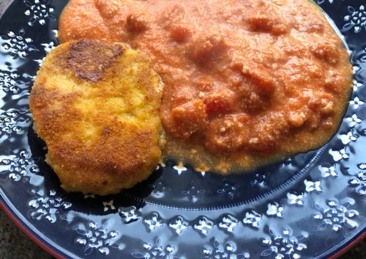 Step-by-Step Guide to Prepare Homemade Mother's pork steak in breadcrumbs with cheese and tomatoes