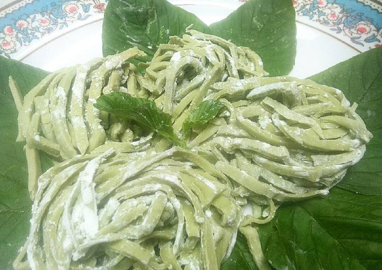 Spinach noodle without egg