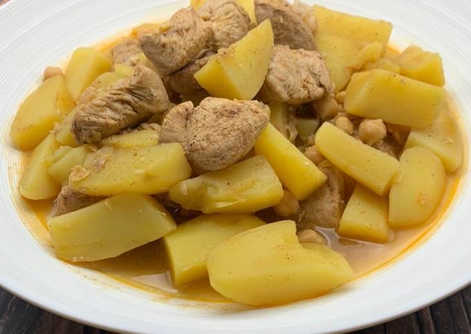 Râgout de poulet aux pommes de terre (chtitha djedj)