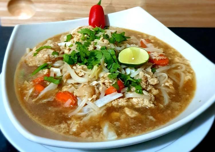 Rice Noodle Soup With Dori Fish