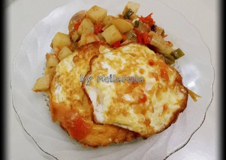 Balado telor ceplok kentang