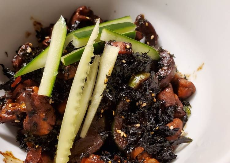 Black Bean Paste Chicken and Vegetables. Jajangmyeon (Keto)