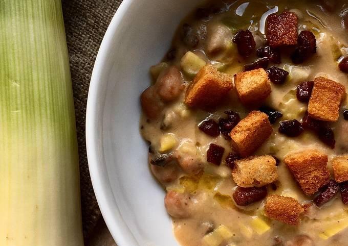Leeks and borlotti soup
