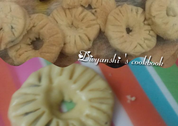 Date doughnut cookies
