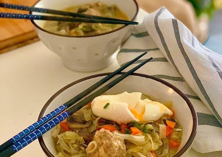 Sopa de noodles improvisada