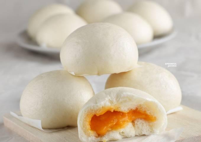 Salted Egg Yolk Lava Bun [Liu Sha Bao]