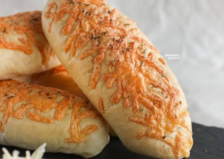 10 Minute How to Make Speedy Cheesy Bread [with Homemade Pizza Dough]