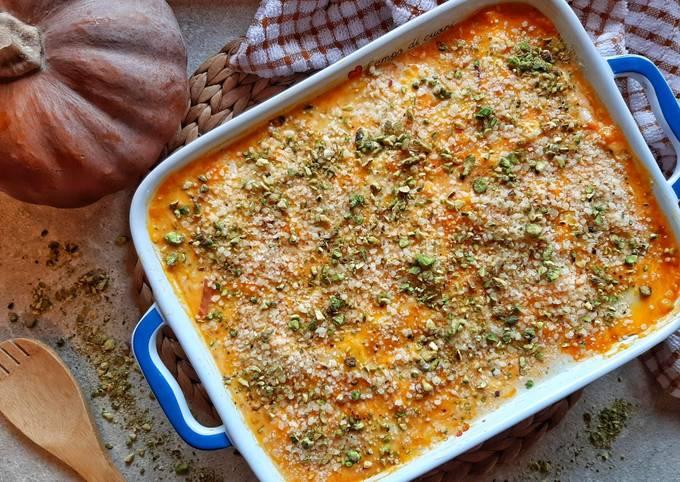 Riso al forno con zucca, funghi, speck e granella di pistacchio