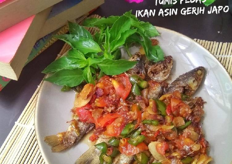 Tumis Pedas Ikan Asin Gerih Japo