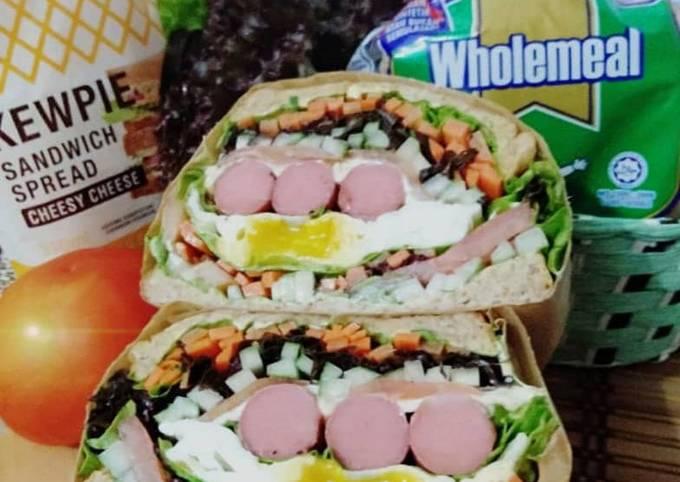 Wanpaku Sandwich Chicken Sosej Black Papper